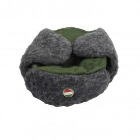 Ungarische Wintermütze mit Abzeichen, neu