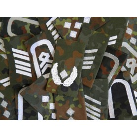 BW Rangabzeichen mit Klett Heer, weiß auf flecktarn