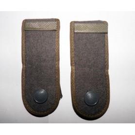 NVA Schulterklappen Gefreiter (Metallspange) oliv, neuwertig